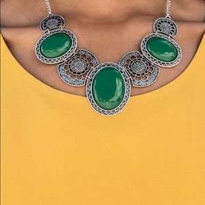 "New! Paparazzi ""The Medallion-Aire"" Green Necklace"